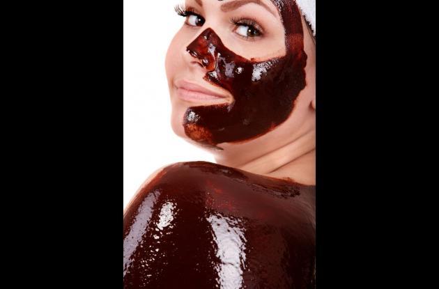 El chocolate hidrata la piel y le aporta minerales que la relajan y le dan lozan
