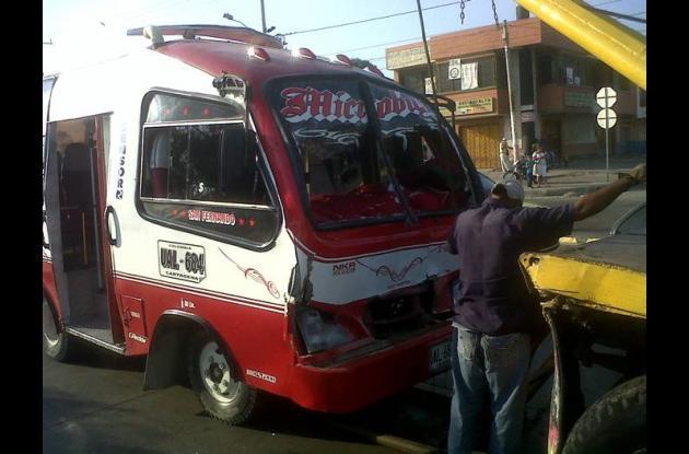 Choque microbus.