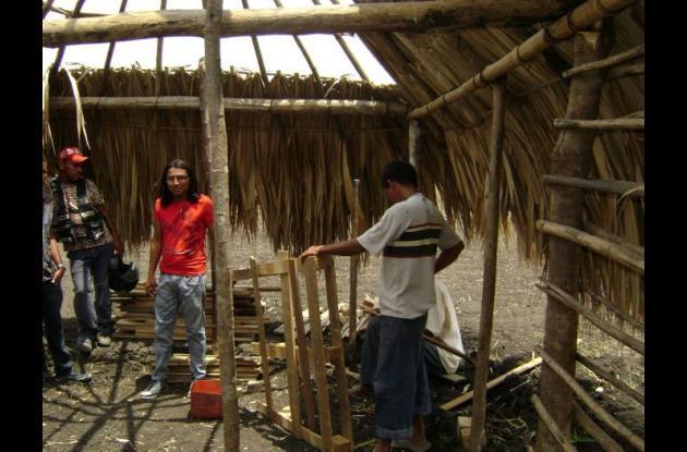 La comunidad indígena consiguió terrenos para construir sus viviendas.