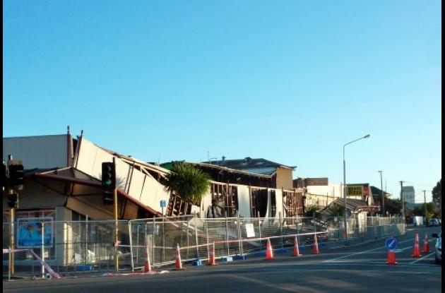 Aunque no hubo víctimas, se derrumbaron edificios y miles de viviendas quedaron