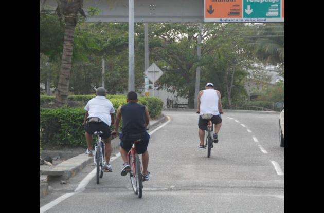 Bicicletas, otro peligro en las vías por falta de ciclorrutas
