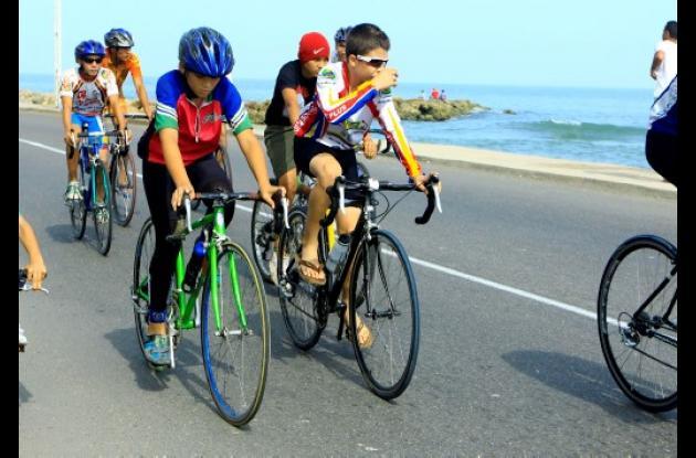 Ciclo vía en la Avenida Santander