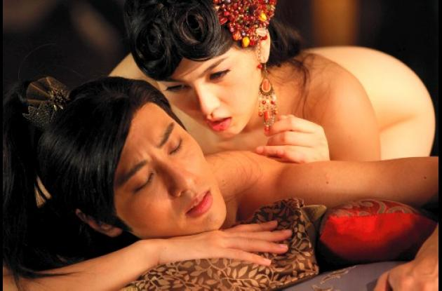 "cine 3d  sexoEscena de la película erótica en 3D ""Sex and Zen: Extreme Ecstasy"""