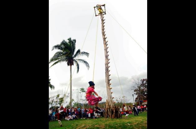 Presentación del 'circo indígena'.