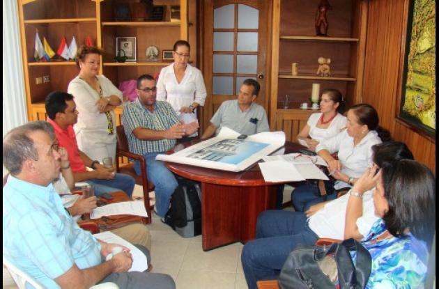 Reunión donde fueron presentados los diseños de la obra