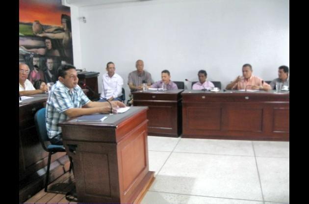 Debate de los concejales y los gremios