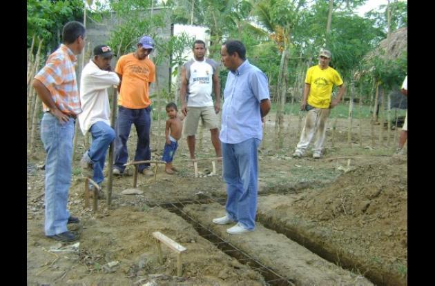 Reconstruyen casas a damnificados en Cereté