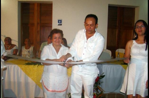 La gobernadora de Córdoba y el alcalde de Lorica en la inauguración