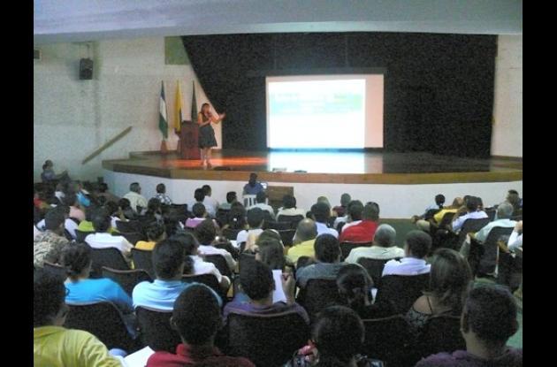 Taller de capacitación tec-nológica en Unicórdoba.