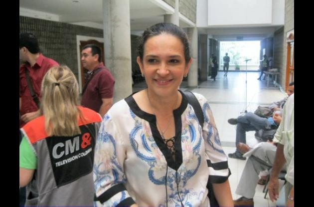 Senadora Arlet Casado.