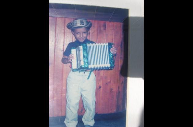 Desde niño siempre se identificó con el acordeón.