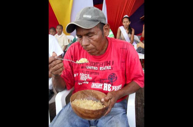 Evangelista Roatán se comió siete libras de arroz