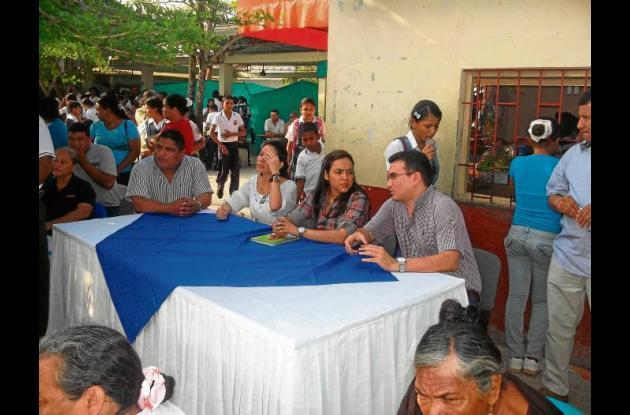 En la mesa directiva Nelson Rivera, Catalina Mariño, Ana Eljach y Remberto Tapia