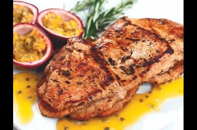 Lomo de cerdo en salsa de chulupa