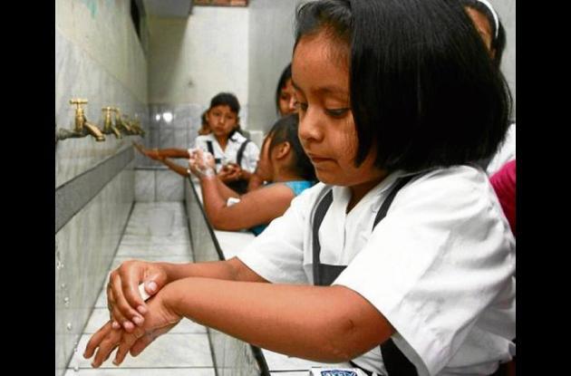 Los niños no tienen agua en los colegios del medio Sinú.