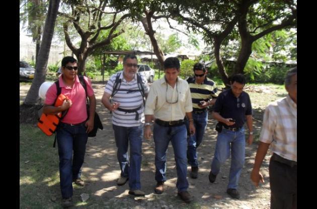 comisión que llegó al sitio del accidente en jurisdicción de Magangué