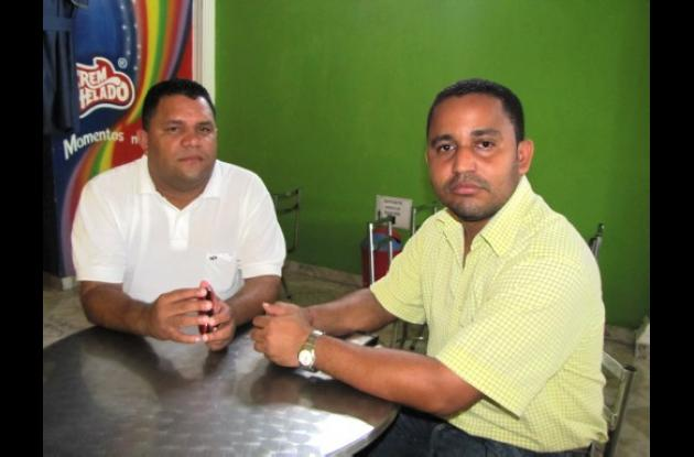 El concejal Leonardo Cabarcas y el profesor amenazado Geovani Cogollo Moreno.