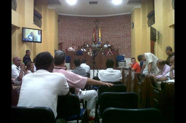 Bacrim amenazan a concejales de Cartagena.