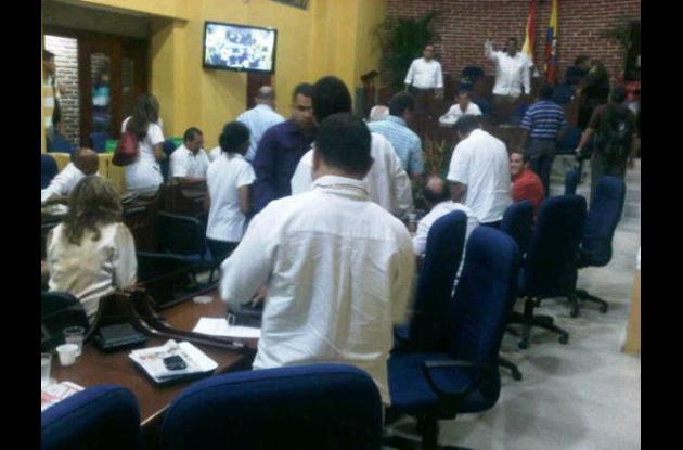 Clausura de la primera sesión del Concejo.