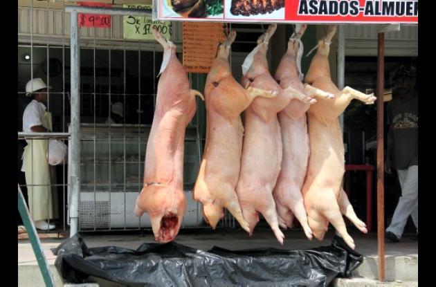 Venta de carnes sin control sanitario.