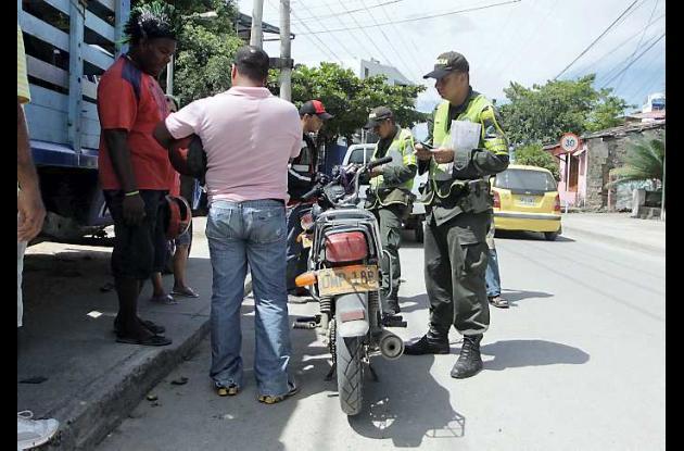 Controles de la Policía Nacional en vías de Cartagena