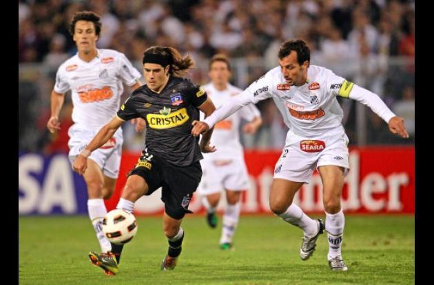 Colo Colo ganó 3-2 al Santos de Brasil.
