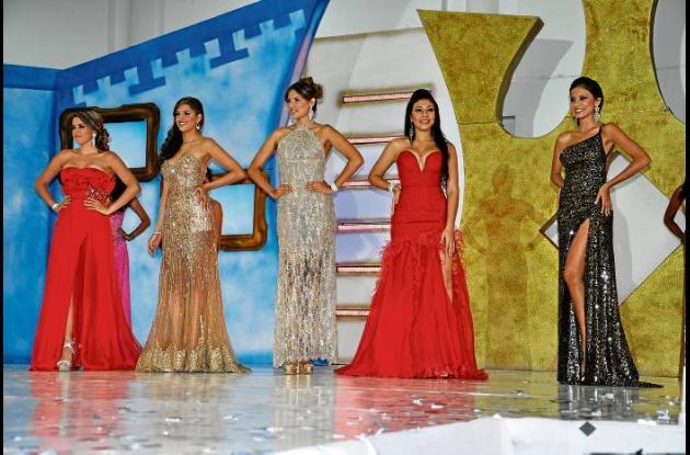 Cinco finalistas del Reinado Nacional de la Ganadería.