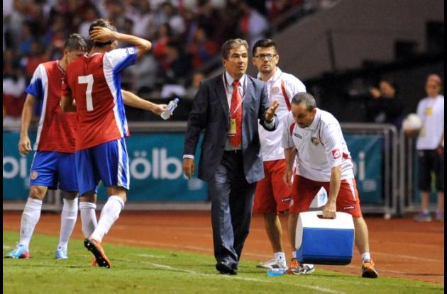 La FIFA multa a Costa Rica.