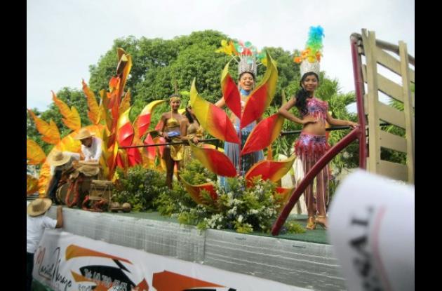 El desfile de las candidatas al Reinado Popular y Cultural de la Ganadería.