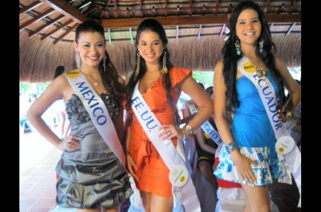 Denisse Correa de México, Sheareen Natasha Natour de Estados Unidos y Rina María