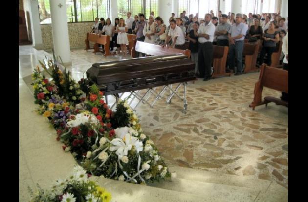 Ayer fueron sepultados los estudiantes muertos en accidente.