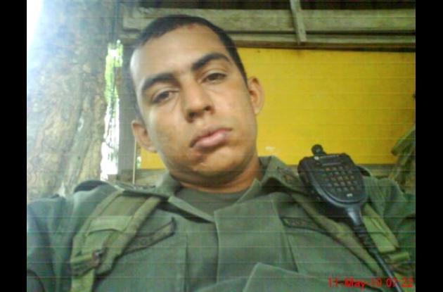 Jair Ballesteros Carrillo, policía desaparecido.