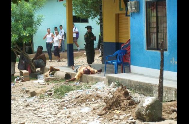 tendero fue asesinado por sicarios mientras jugaba cartas