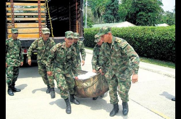 siete hombres dados de baja por el Ejército