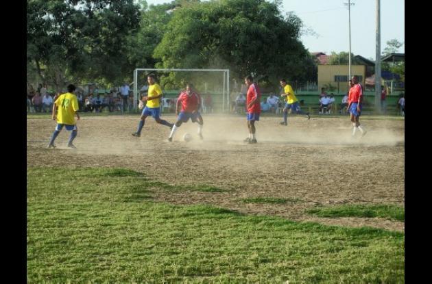 Hoy siguen las emociones del Torneo de Fútbol, Copa Cun