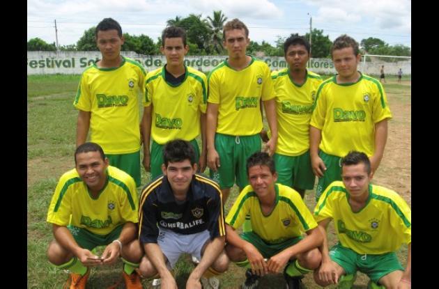 Equipo de Guayabal que participa en el Torneo de Fútbol