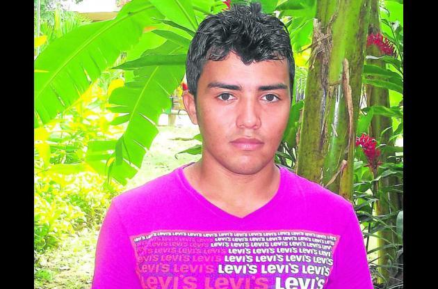 Gustavo Artuz Cabrera, trabajador de uno de los locales afectados por los robos.