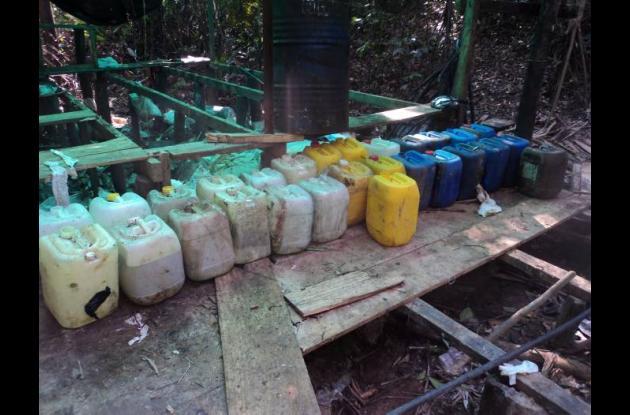 Laboratorio que la Policía encontró con elementos químicos