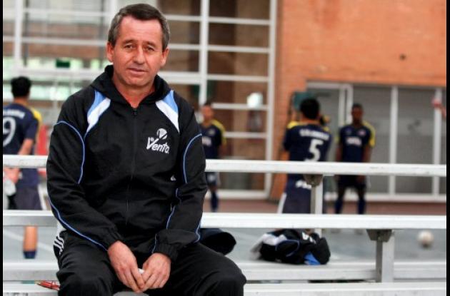 Jaime Cuervo, técnico de la selección Colombia de fútbol de salón
