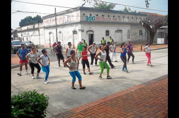 Jornada de aeróbicos de celebración del aniversario de Montería