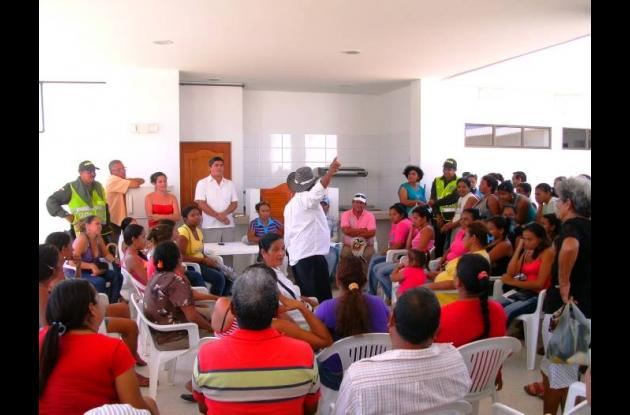 El secretario de Planeación Municipal, Rafael Mejía Bermejo, se reunió con los d