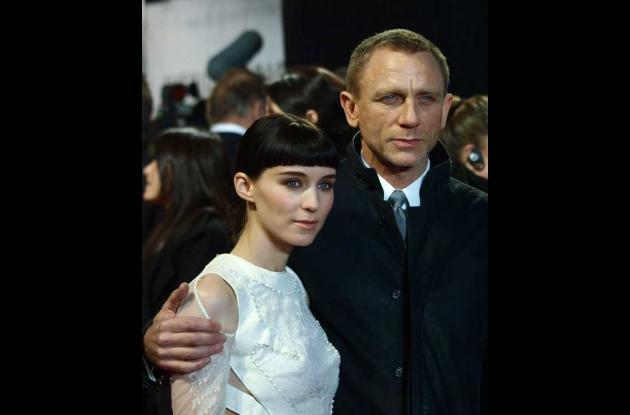 Daniel Craig y la sorprendente Rooney Mara.
