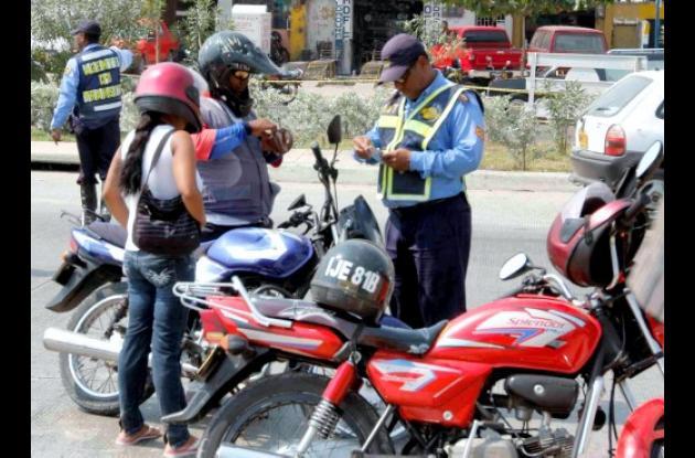 Operativos del DATT en la Avenida Pedro de Heredia.