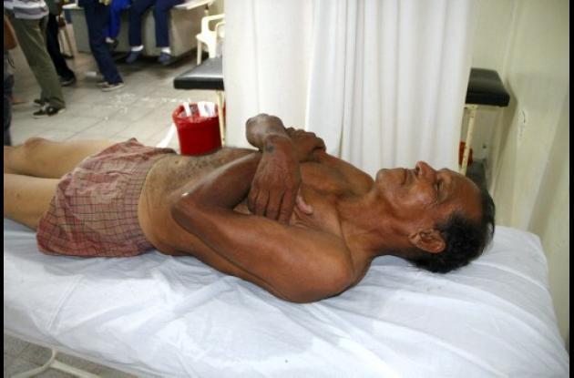 Hombre se salva en arroyo de Rebolo en Barranquilla.