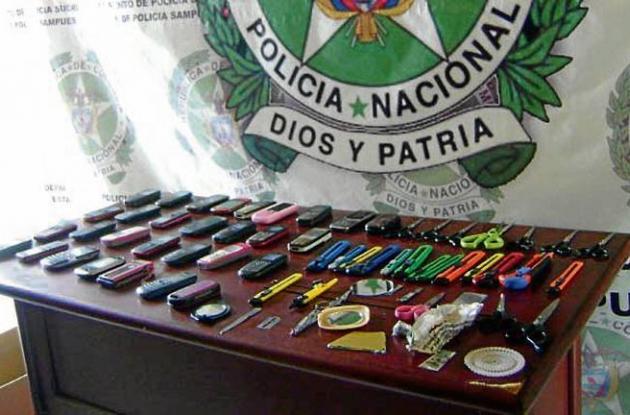 armas blancas decomisadas en la Institución Educativa Mariscal Sucre.