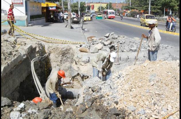 Demolición de placas de concreto en tramo cuatro de Transcaribe