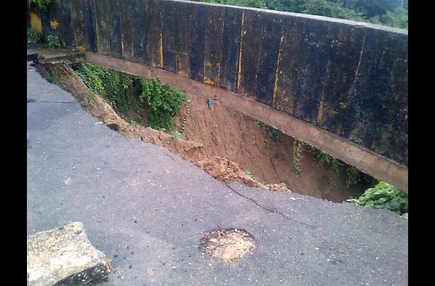 Deslizamiento en la primera curva de la subida a La Popa.