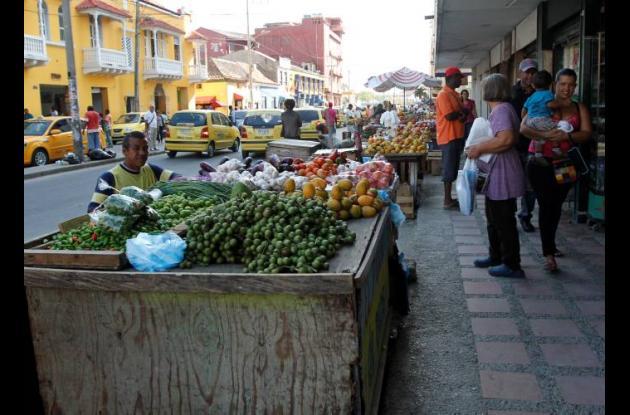 Vendedores informales en Centro Histórico de Cartagena