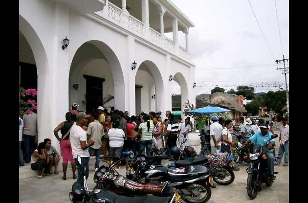 Los desplazados se acercaron hasta las instalaciones de la Alcaldía para averigu