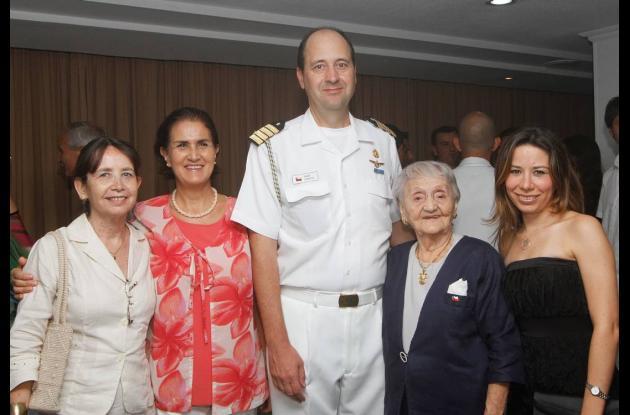Coctel para celebrar  Día de la Armada de Chile